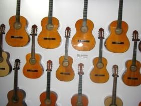 hand-craft guitar factory-i.jpg