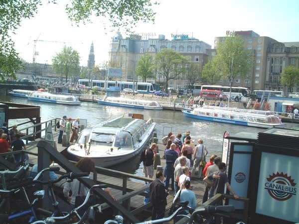 city touring boat-a.jpg