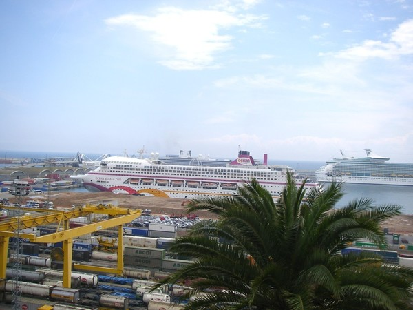 cruise-b.jpg