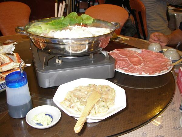 也有涮豬肉片及烏龍麵及手工丸子等等好料