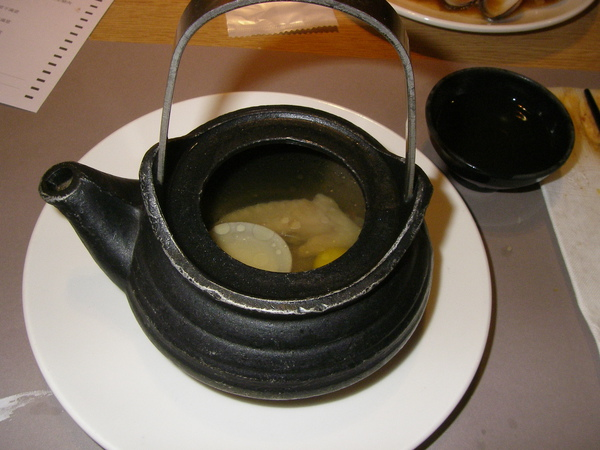 lab dinner饗日式百匯01212010土瓶蒸.JPG