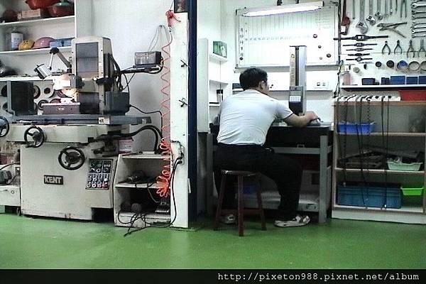 亨承塑膠模具廠台灣精密塑膠射出鋼模研發製造商新北市塑膠射出廠空拍(02)2688-8500