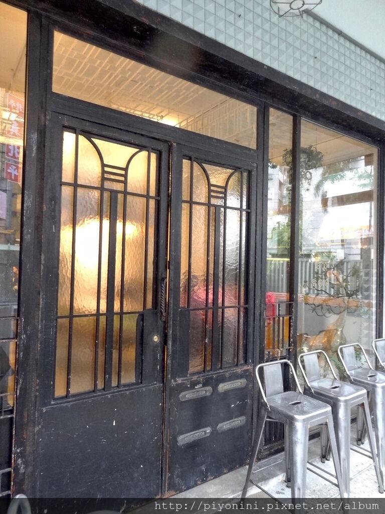 CAFE de GEAR大門