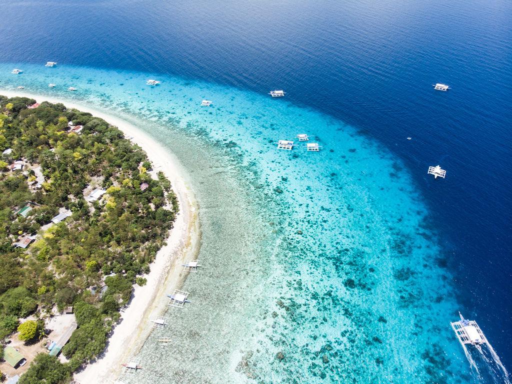 薄荷島巴卡里薩離島保護區潛水