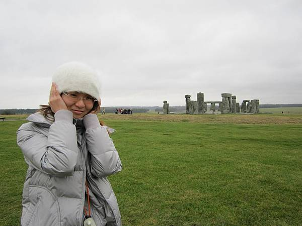 沒點的巨石陣~~好荒涼好冷!!