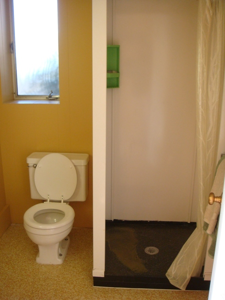 樓下的浴室.JPG