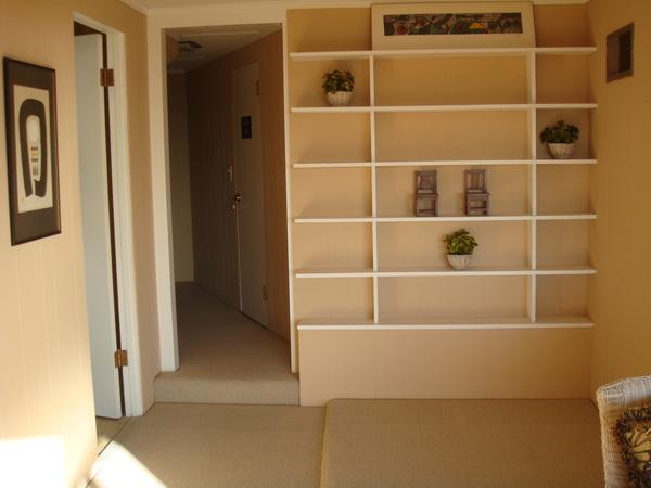 樓下的空間往樓梯看.JPG