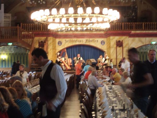 幕尼黑皇家啤酒館二樓餐廳