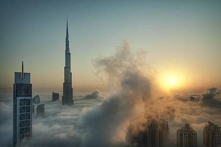 Foggy sunrise in Dubai