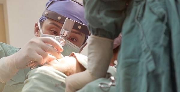 06全自體肋軟骨鼻整形隆鼻手術.jpg