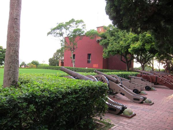 砲台在紅毛城後面.jpg