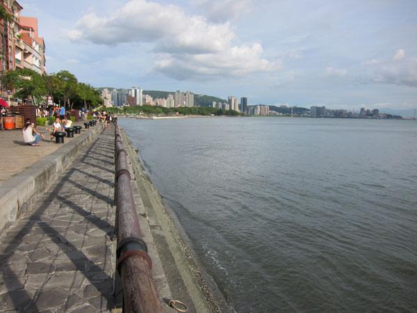 淡水河堤3.jpg