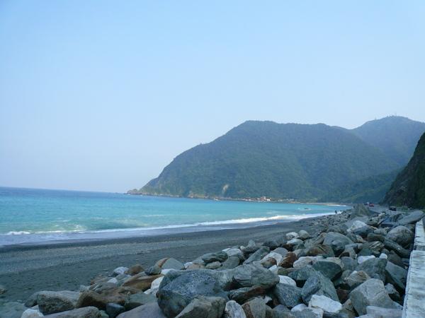 經過台灣海岸這多次, 第一次下來玩^^