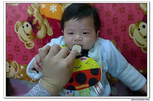貝親 嬰兒鈣米餅 (4).jpg