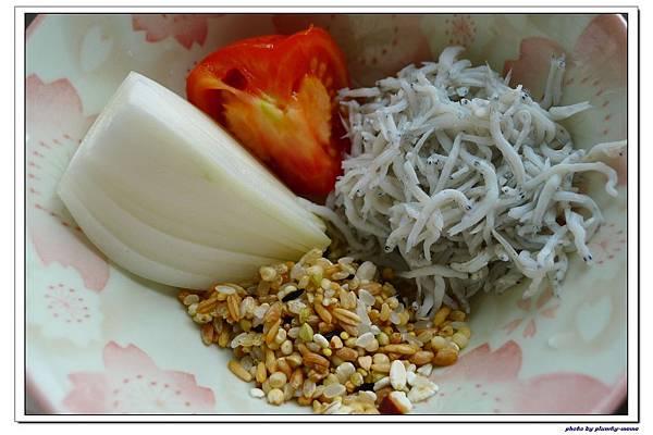副食品-蔬菜吻仔魚五穀粥 (8)