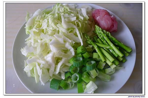 副食品-青蔥高麗菜蘆筍五穀粥 (4)