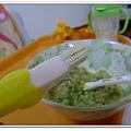 香蕉牙刷Baby Banana Brush試用 (16)