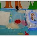 美國SKIP HOP Swipes Wipes Case 攜帶式濕紙巾盒 (10)