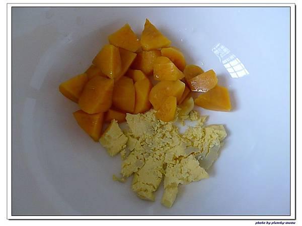 父親節副食品-番薯蛋黃米餅+燙青花椰菜 (4)