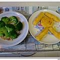 父親節副食品-番薯蛋黃米餅+燙青花椰菜 (12)