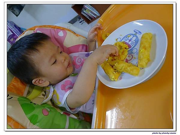 父親節副食品-番薯蛋黃米餅+燙青花椰菜 (17)