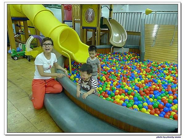 信誼親子遊戲室-滑梯球池 (3)