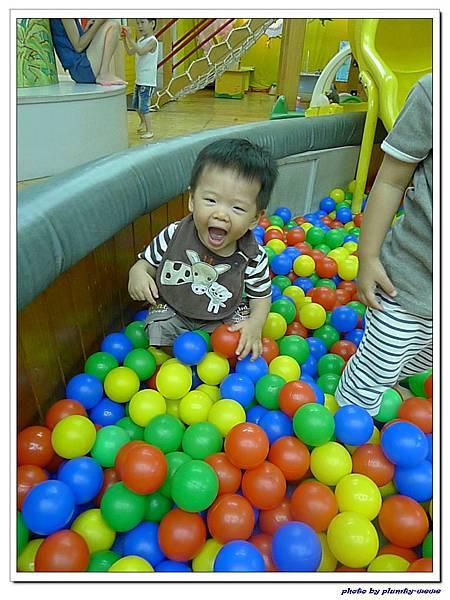 信誼親子遊戲室-滑梯球池 (5)