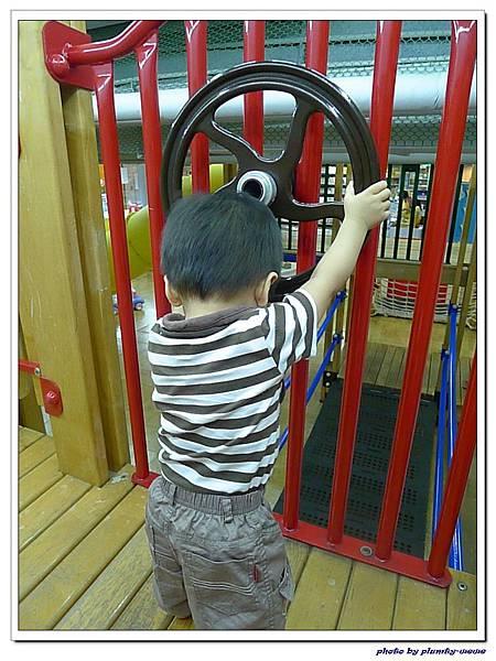 信誼親子遊戲室-滑梯球池 (9)