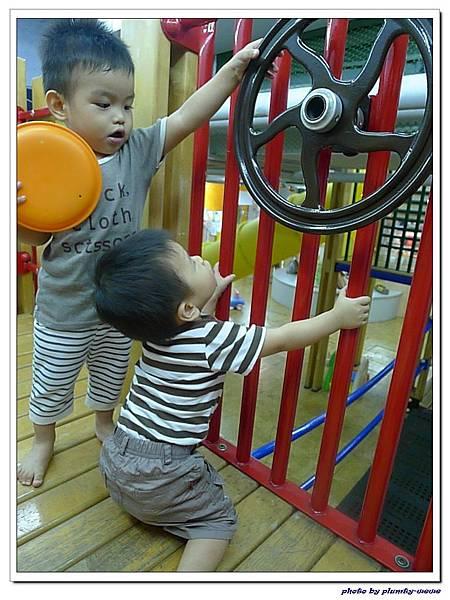 信誼親子遊戲室-滑梯球池 (10)