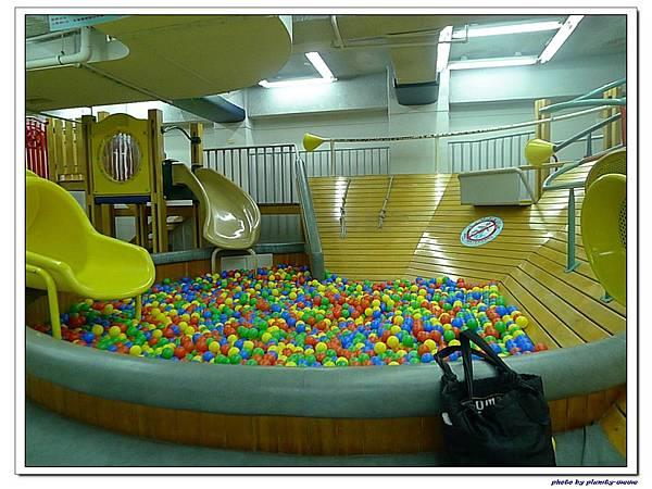 信誼親子遊戲室-滑梯球池 (11)