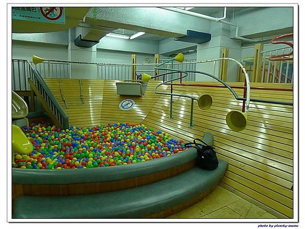 信誼親子遊戲室-滑梯球池 (13)