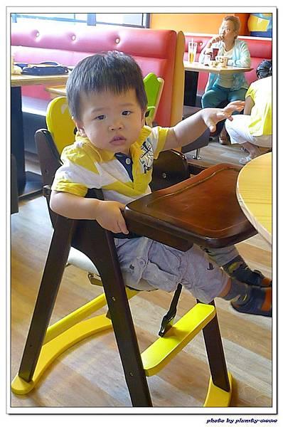 棒恰恰親子歡樂餐廳-用餐區 (6)