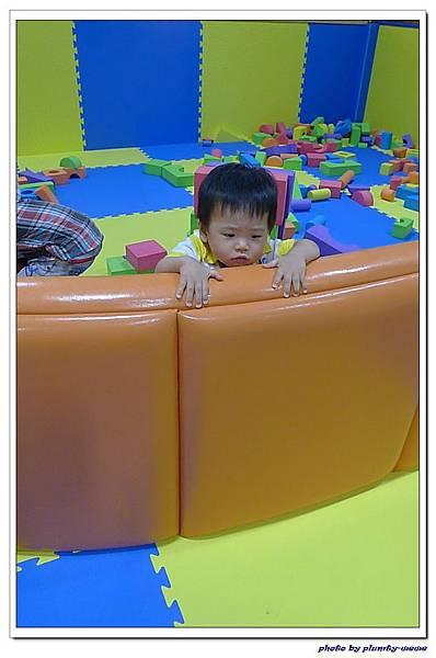 棒恰恰親子歡樂餐廳-跳跳屋積木區 (13)