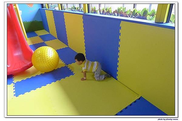 棒恰恰親子歡樂餐廳-跳跳屋滑梯區 (10)