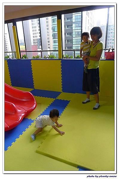 棒恰恰親子歡樂餐廳-跳跳屋滑梯區 (25)