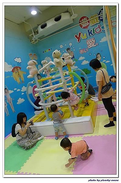 台中文心家樂福遊戲愛樂園-媽媽寶寶聚會 (8)