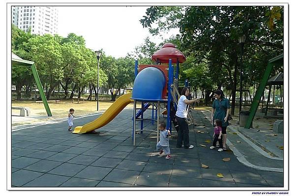 小書蟲PG-in 台中南屯南苑公園 (5)