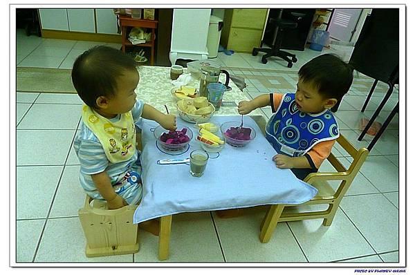 15M16D-子茵家吃早餐 (2)