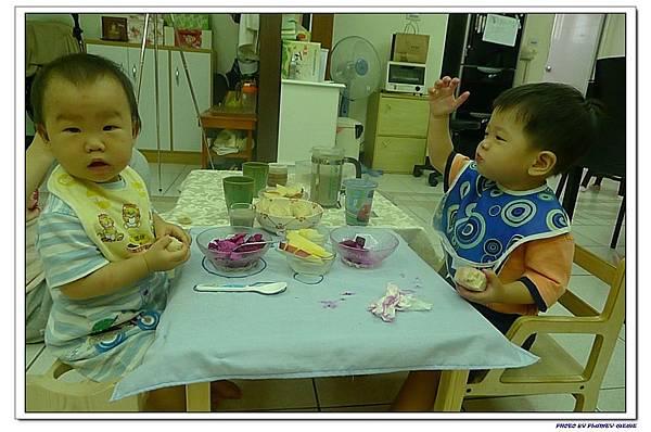 15M16D-子茵家吃早餐 (12)
