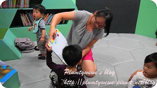 小書蟲玩樂PG-國美館 兒童繪本區