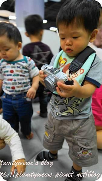 小書蟲玩樂PG-國美館 兒童繪本區 (4)