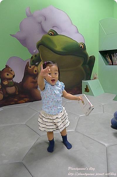 小書蟲玩樂PG-國美館 兒童繪本區 (25)