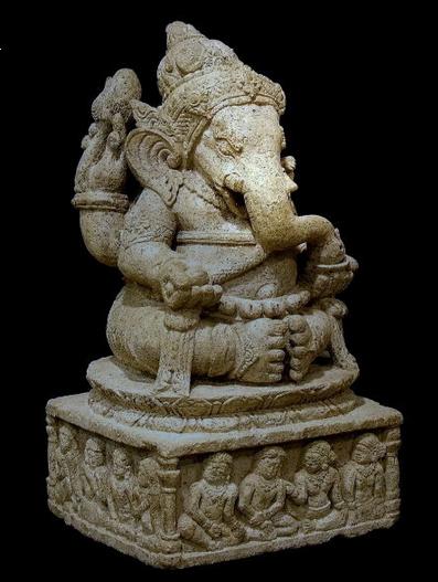 象頭財神的石像  (翻拍自網路)