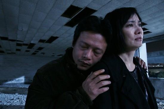 已經獲得世界三大影展之一的威尼斯影展評審團大獎的作品《郊遊》,由蔡明亮執導,同時入圍本屆金馬獎最佳電影、最佳導演、最佳男主角 (李康生,圖左) 等獎,被認為是今年金馬獎台灣本土電影的最大希望。