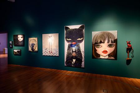 大陸畫家楊納的「非人類」油畫系列