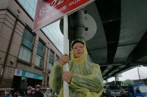 李康生在《郊遊Stray Dogs》的經典表演連續勇奪金馬獎與亞太影展影帝寶座(汯呄霖電影)