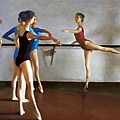 尚丁的芭蕾舞者寫實畫作,受到畫家竇加影響;在畫中相容各種文化,也顯示畫家對人體舞蹈動作與平衡的高度敏感性。