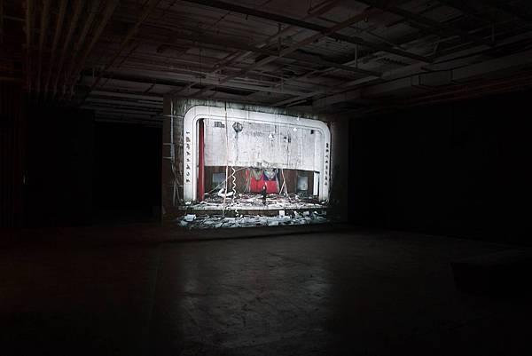 NO MAN AN ISLAND – ART AND POLITICS IN TAIWAN    台灣藝術家姚瑞中錄像裝置藝術系列作品《萬歲》,正於號稱西方世界最大的亞洲藝術展的英國「曼徹斯特亞洲藝術三年展」中展出(9月27日-11月23日)。 (圖擷自藝術家之臉書網頁) 相關新聞請見J2及J4版