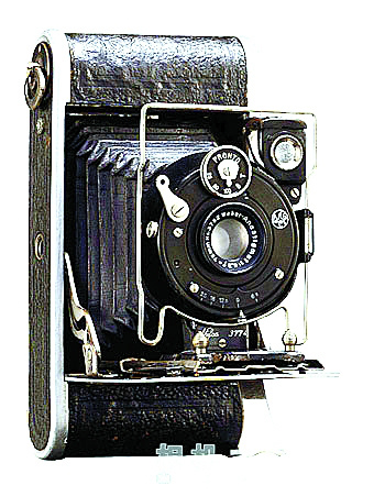 上海照相機廠1957年研製的上海58-Ⅱ相機