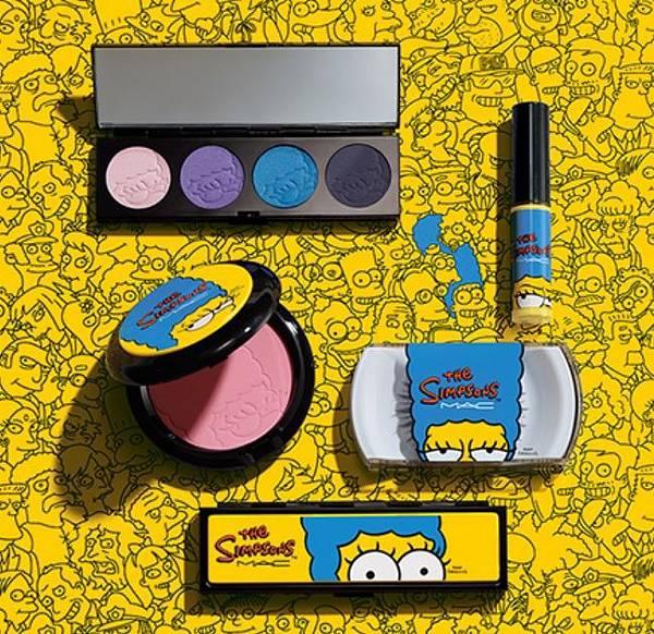 化妝品品牌MAC的授權商品,讓消費者擁有辛普森太太卡通般的妝容,甫上市就銷售一空